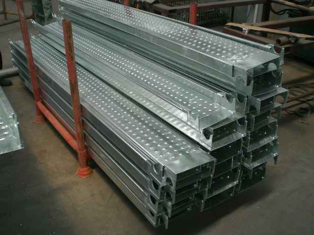 Steel Scaffold Planks : Difference between floor type double row scaffold and