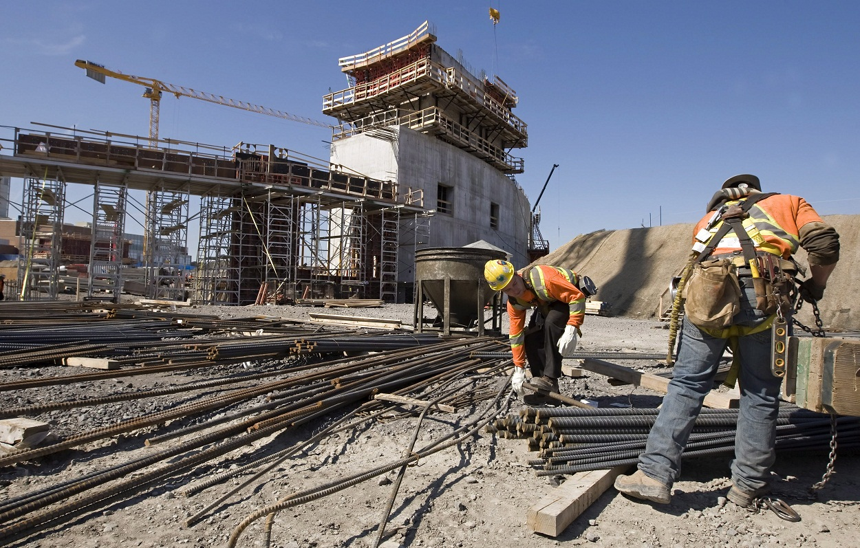 Building Construction Workers : How about safety ratio of frame scaffolding building