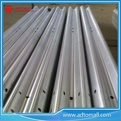 Picture of Galvanized W Beam Metal Highway Guardrail