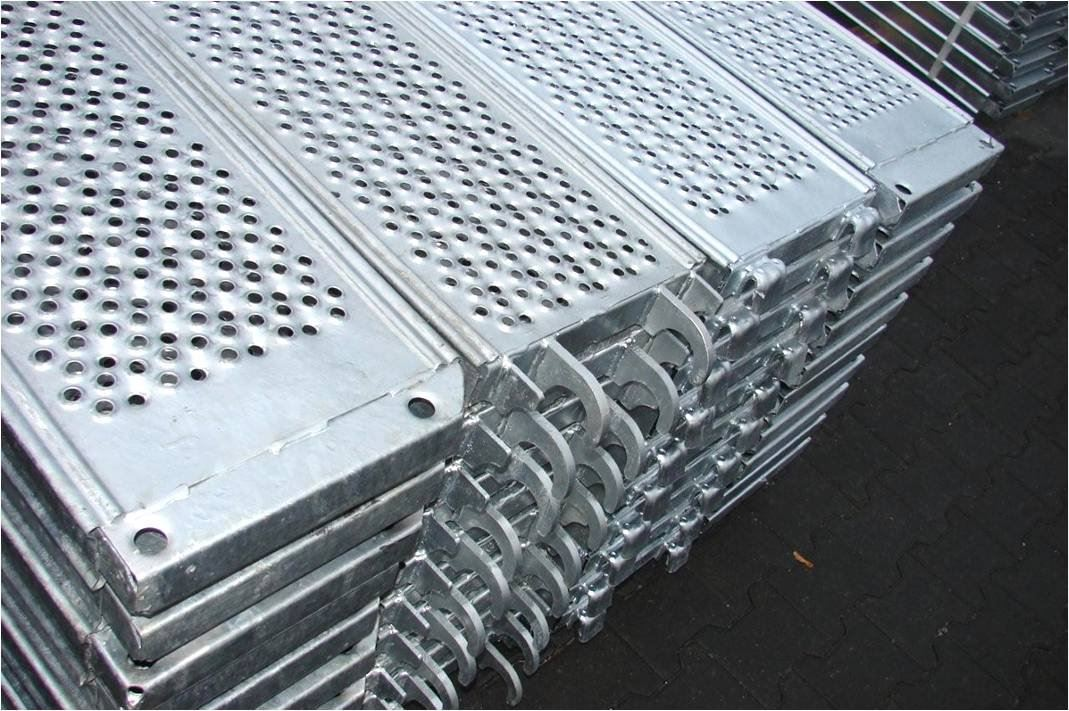 What Advantages Does Galvanized Scaffolding Planks Have?